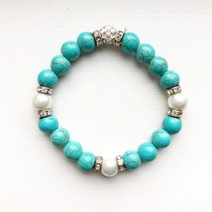 Chic turquoise & pearl bead stretch bracelet